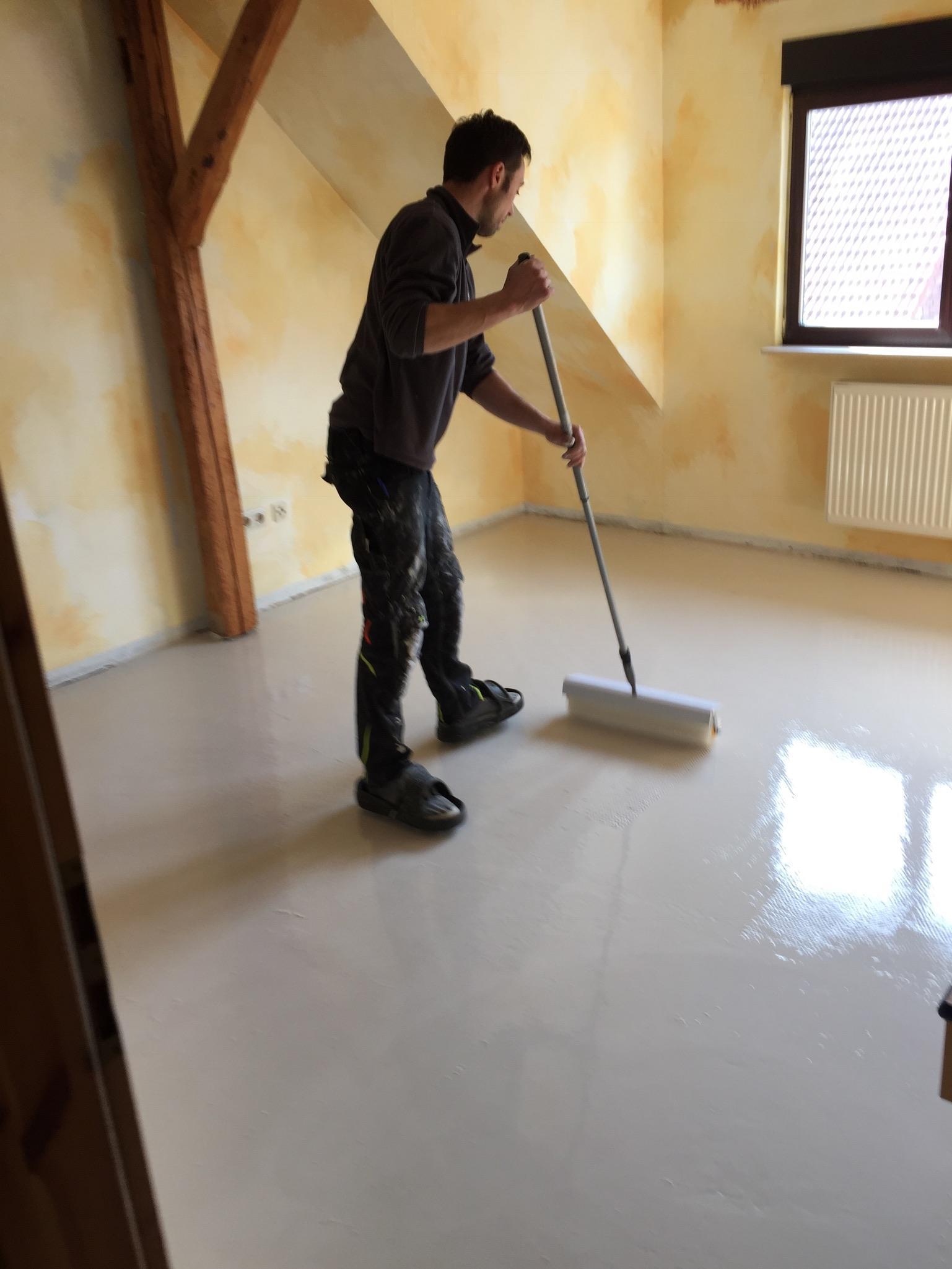 Boden Spachteln im Hotel Drei Lilien in Franken